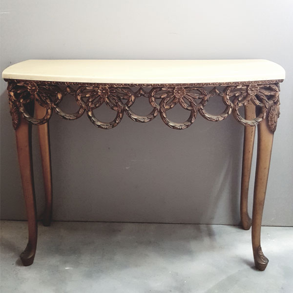 Baroque Display Table - <p style='text-align: center;'>R 390</p>