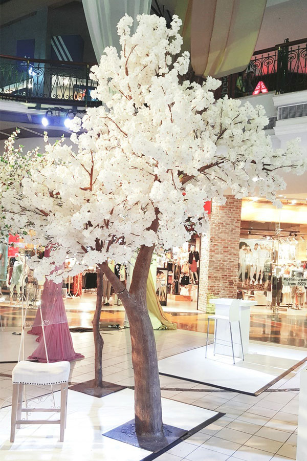 Giant Cherry Blossom Tree - <p style='text-align: center;'>R 1900</p>