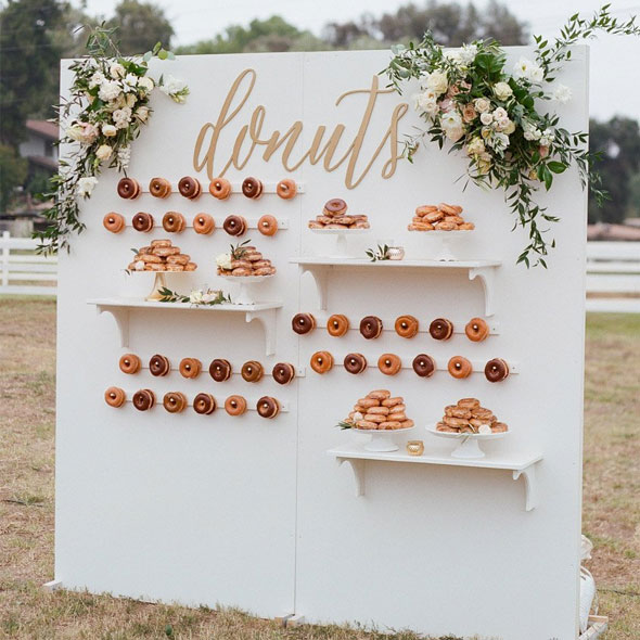Candy & Donut Wall - <p style='text-align: center;'>R 1000</p>